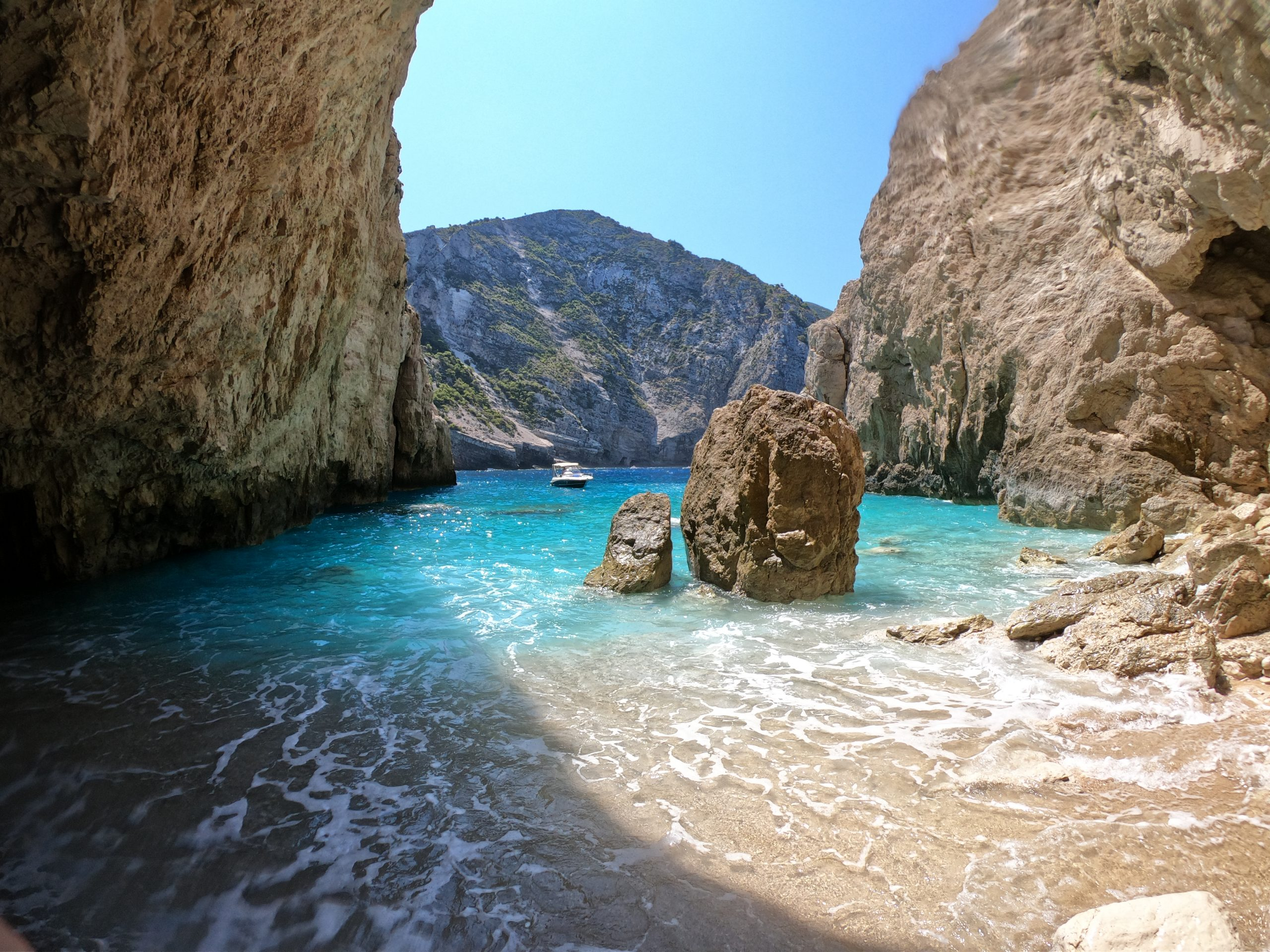 Rent a boat in Zante - LuxurE Travel Zakynthos