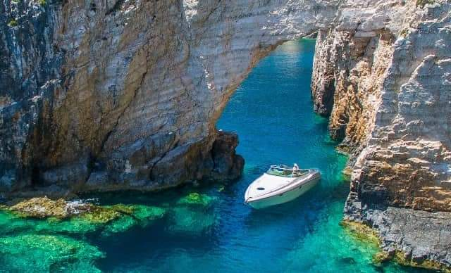 private cruise around zakynthos