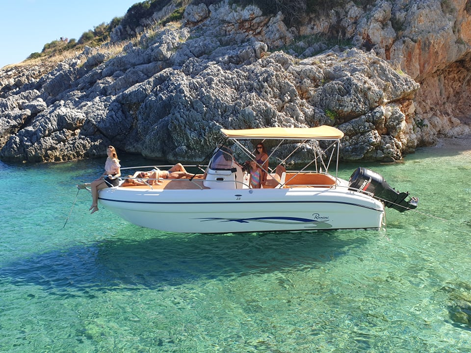 Private boat tour in Zakynthos